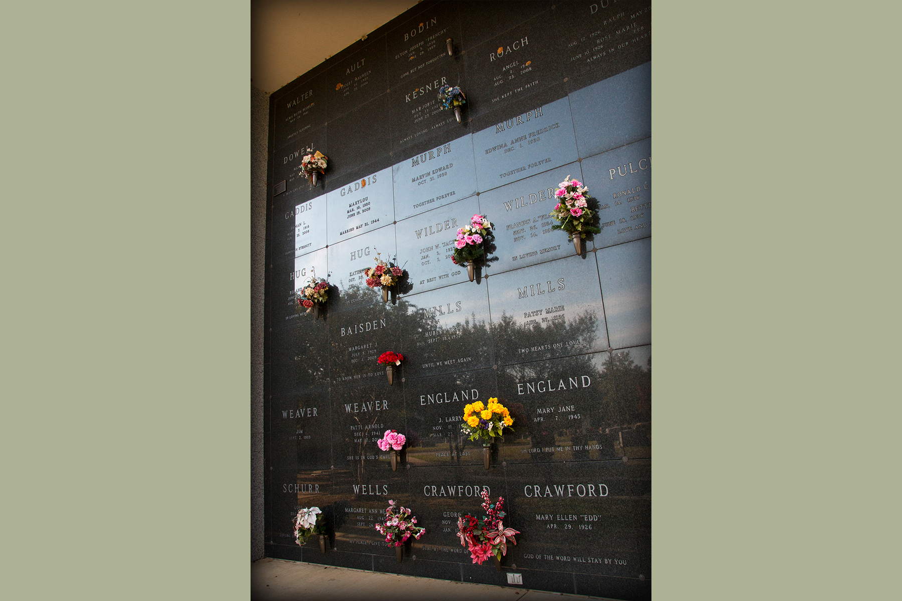 Private cremation niches in longview